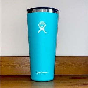 32 oz used discontinued Hydro Flask in Turquoise.